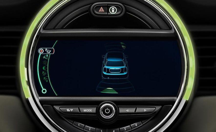 2014 Mini Cooper steering-wheel-mounted controls - Slide 7