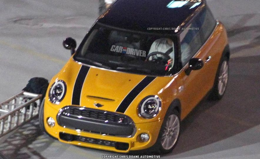 2014 Mini Cooper steering-wheel-mounted controls - Slide 20