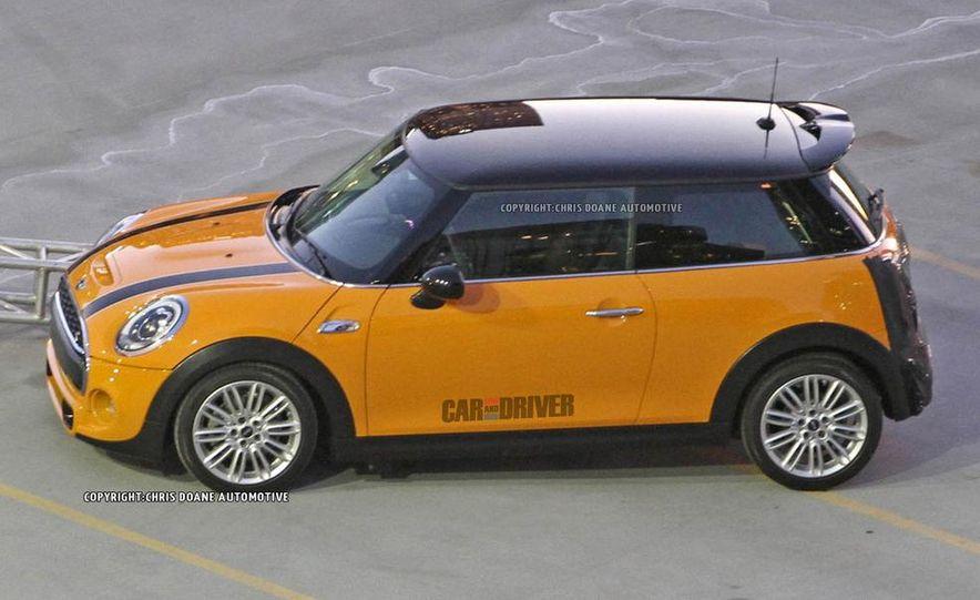 2014 Mini Cooper steering-wheel-mounted controls - Slide 21