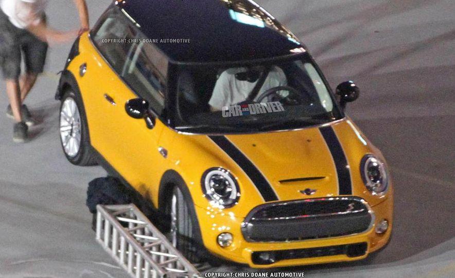 2014 Mini Cooper steering-wheel-mounted controls - Slide 23