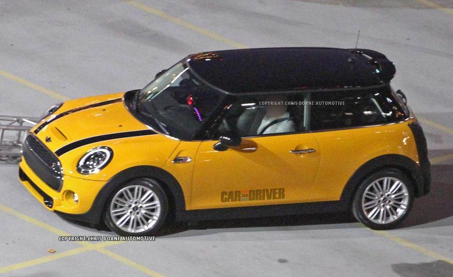 2014 Mini Cooper steering-wheel-mounted controls - Slide 25