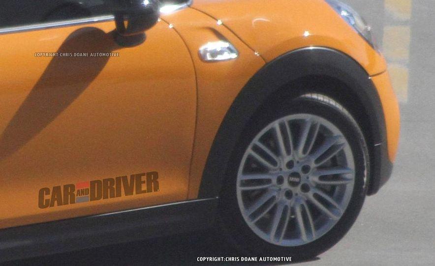 2014 Mini Cooper steering-wheel-mounted controls - Slide 30