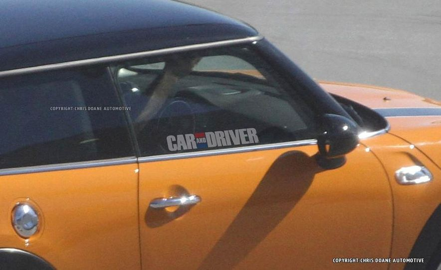 2014 Mini Cooper steering-wheel-mounted controls - Slide 31