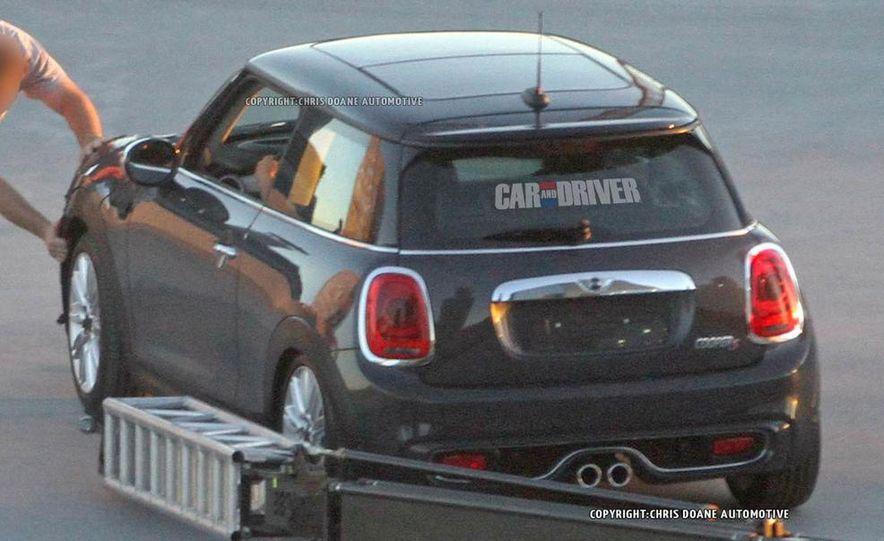 2014 Mini Cooper steering-wheel-mounted controls - Slide 33
