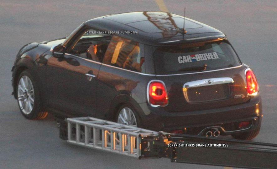 2014 Mini Cooper steering-wheel-mounted controls - Slide 35