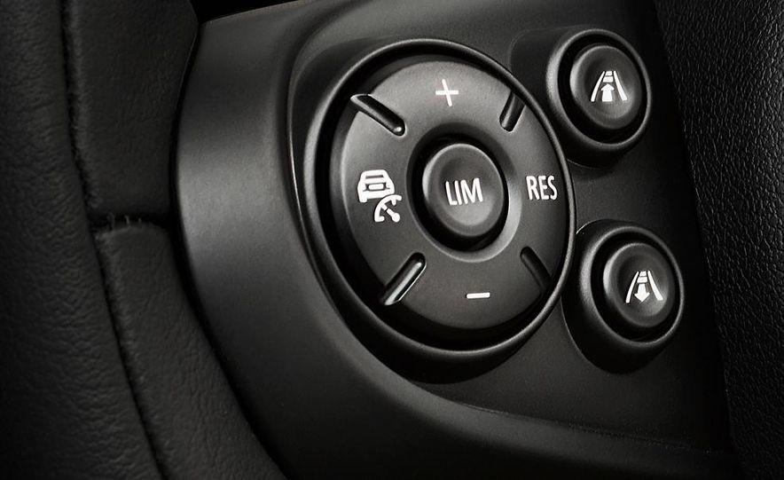 2014 Mini Cooper steering-wheel-mounted controls - Slide 1