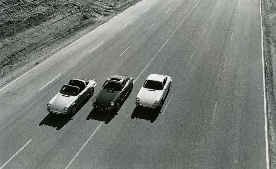 1972 Porsche 911 E Targa, S Coupe, T Coupe - Slide 1