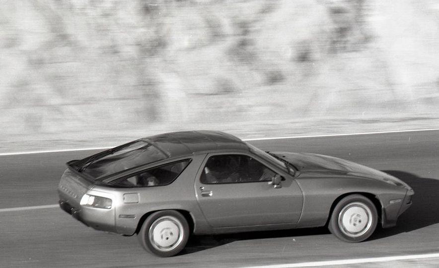 1985 Porsche 928S - Slide 5