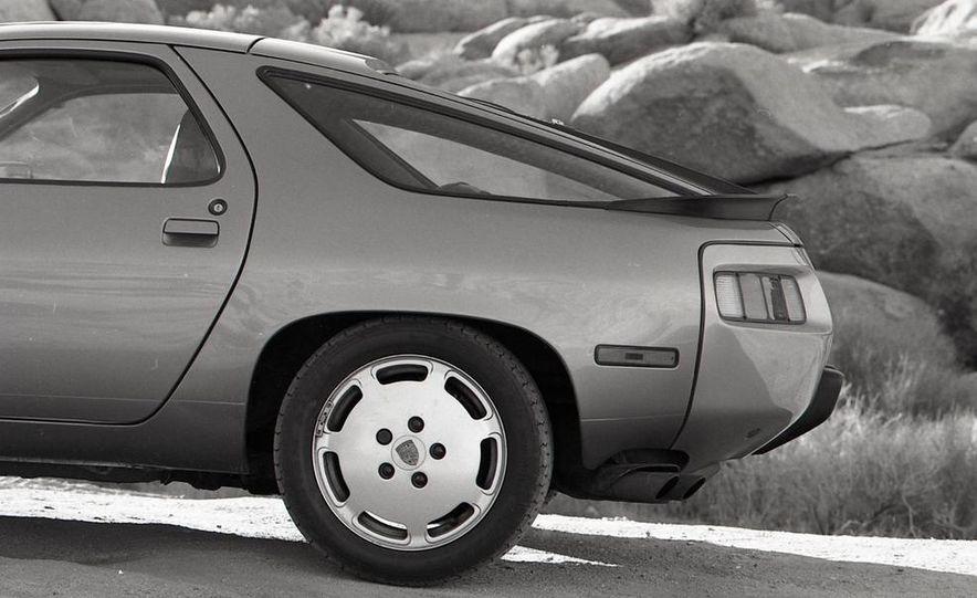 1985 Porsche 928S - Slide 22