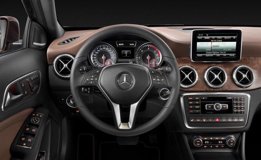 Mercedes-Benz GLA Edition 1 - Slide 19