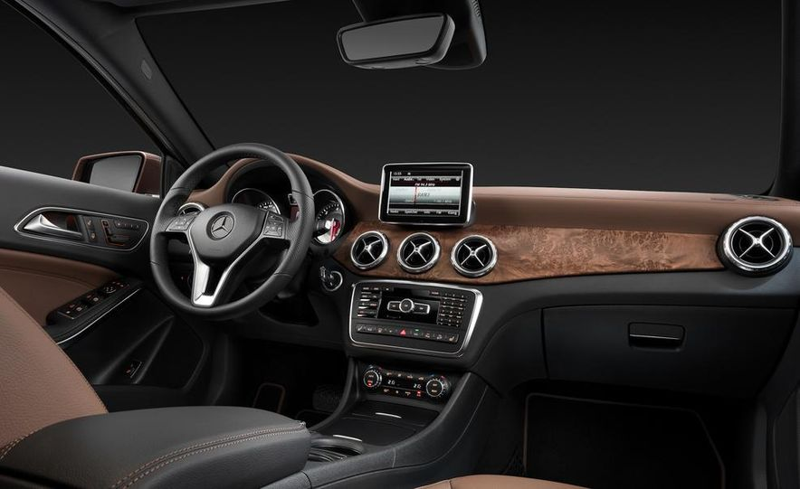 Mercedes-Benz GLA Edition 1 - Slide 21