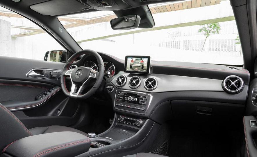 Mercedes-Benz GLA Edition 1 - Slide 35