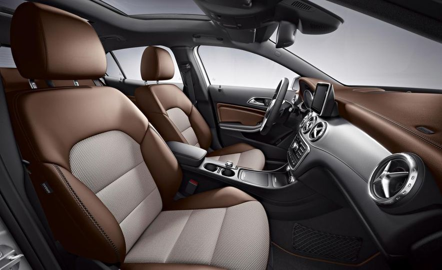 Mercedes-Benz GLA Edition 1 - Slide 8