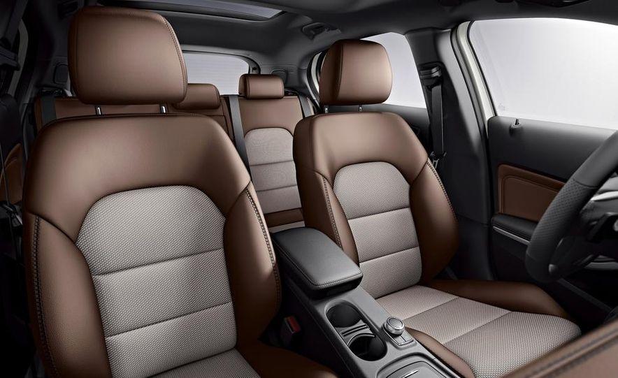 Mercedes-Benz GLA Edition 1 - Slide 9