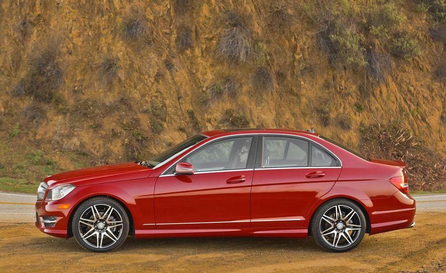 2014 Mercedes-Benz C250 - Slide 9