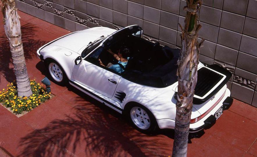 Porsche 911 Turbo Cabriolet Slant Nose - Slide 8