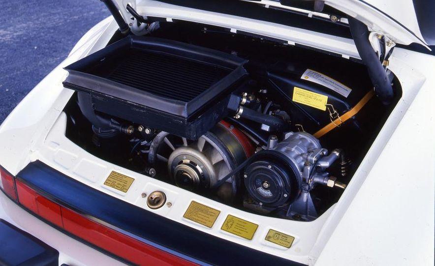 Porsche 911 Turbo Cabriolet Slant Nose - Slide 13
