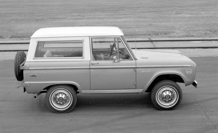 1970 Ford Bronco - Slide 2