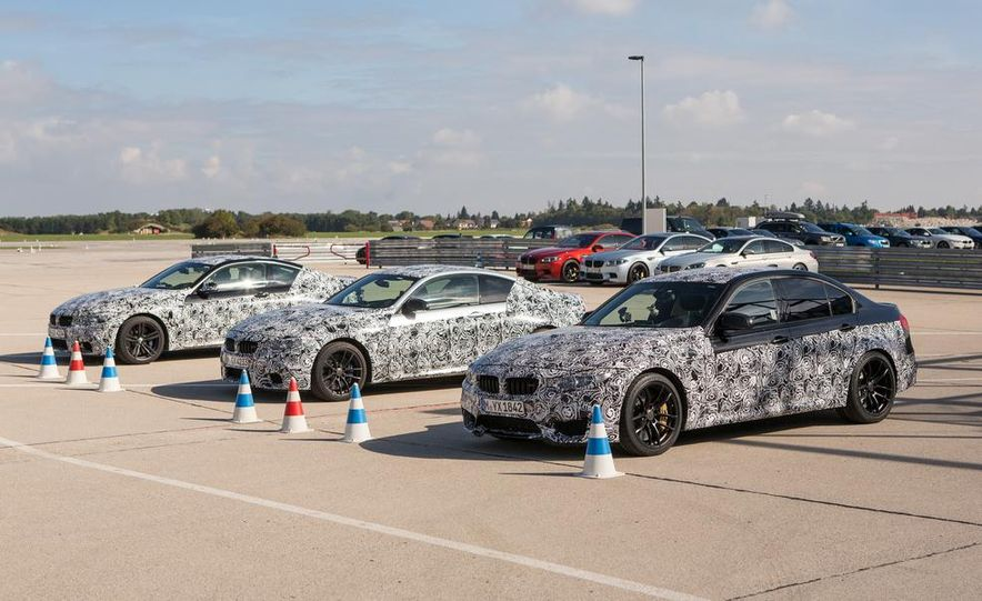 2015 BMW M4 coupes and M3 sedan - Slide 1