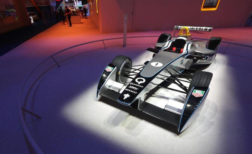 Spark-Renault SRT_01E Formula E race car - Slide 3