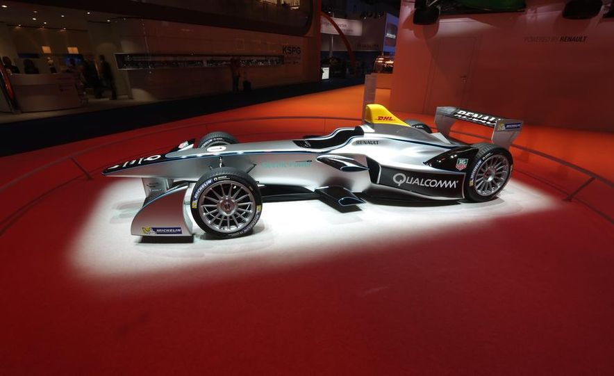 Spark-Renault SRT_01E Formula E race car - Slide 4