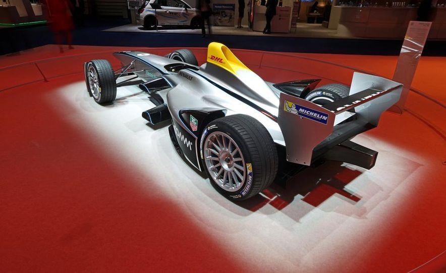 Spark-Renault SRT_01E Formula E race car - Slide 5