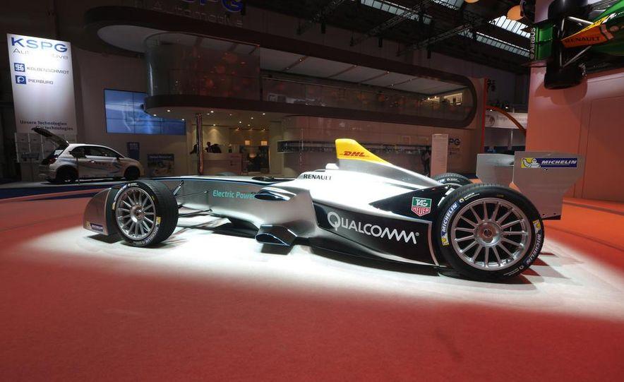 Spark-Renault SRT_01E Formula E race car - Slide 6