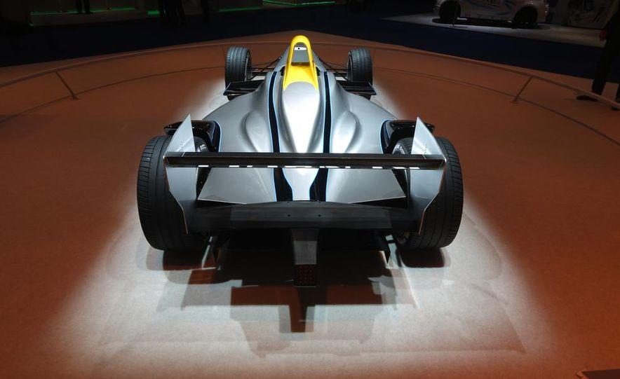 Spark-Renault SRT_01E Formula E race car - Slide 8
