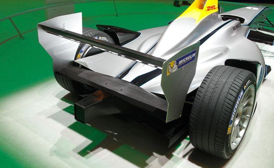 Spark-Renault SRT_01E Formula E race car - Slide 14