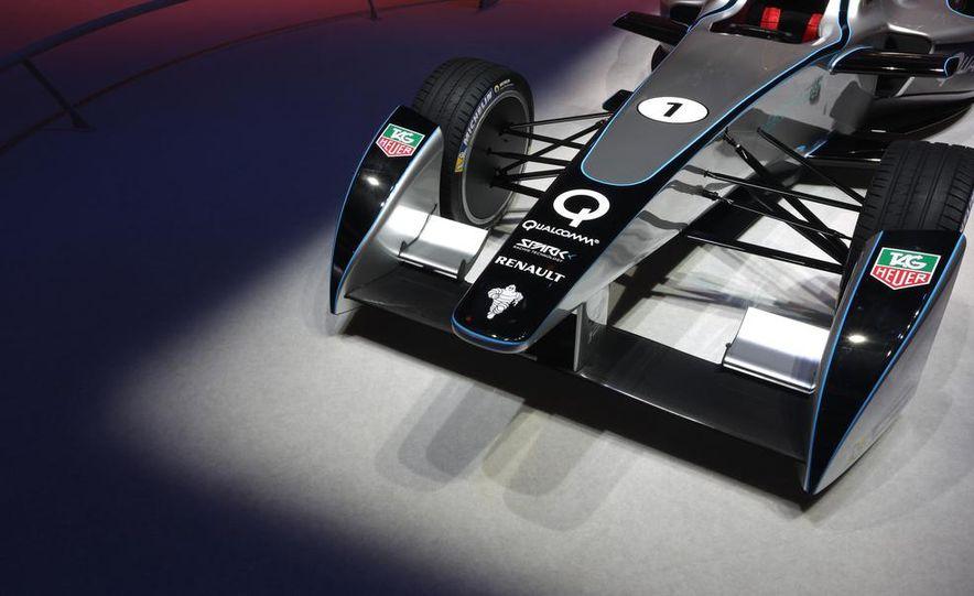 Spark-Renault SRT_01E Formula E race car - Slide 15