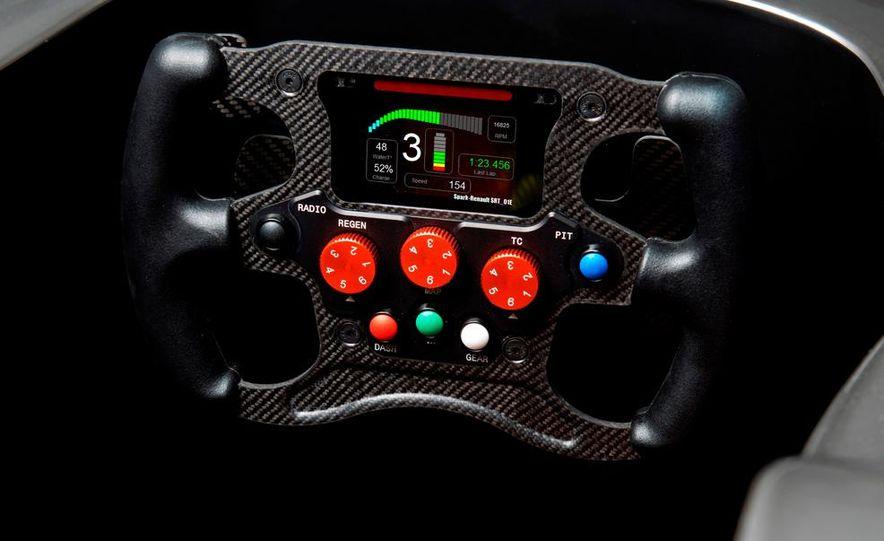 Spark-Renault SRT_01E Formula E race car - Slide 27