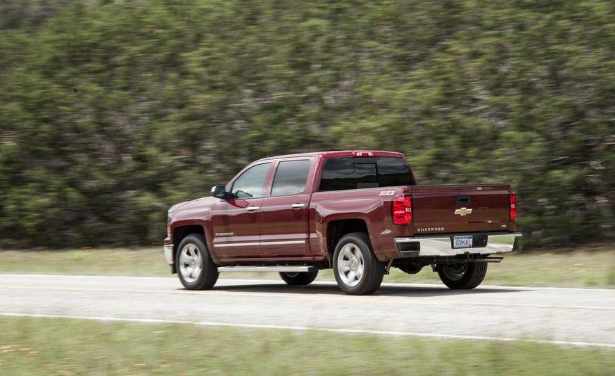 2014 Chevrolet Silverado High Country - Slide 17