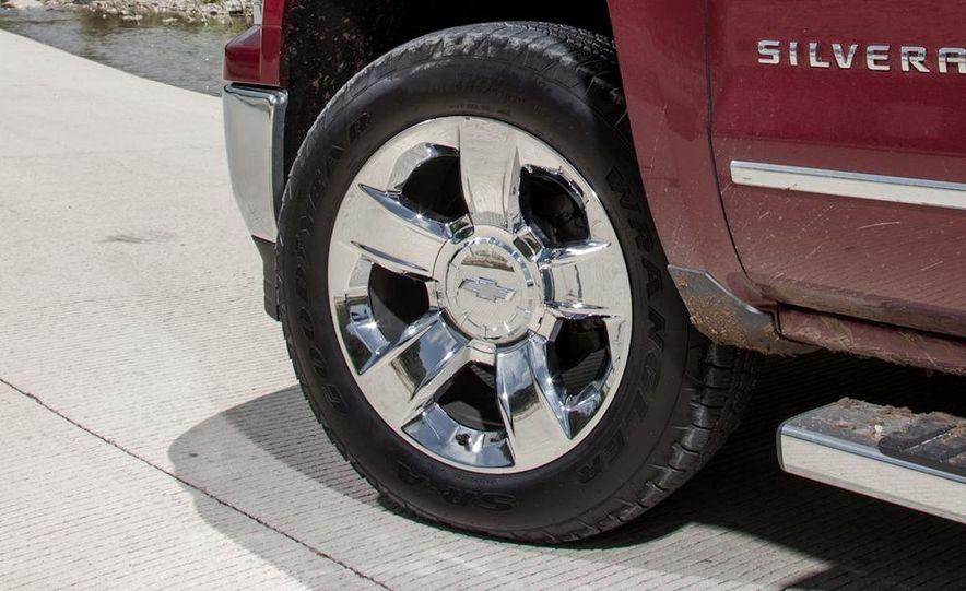 2014 Chevrolet Silverado High Country - Slide 19
