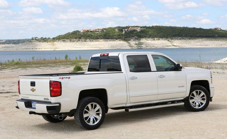 2014 Chevrolet Silverado High Country - Slide 2