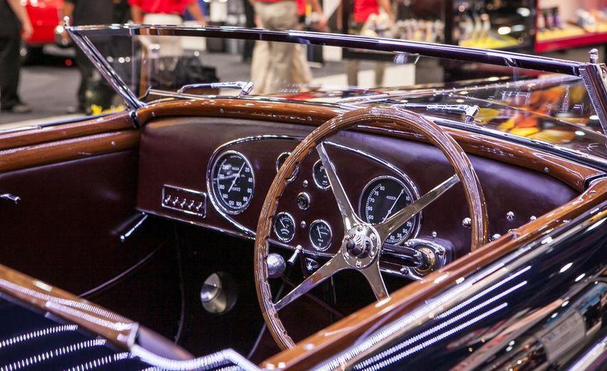 1939 Bugatti Type 57C - Slide 5