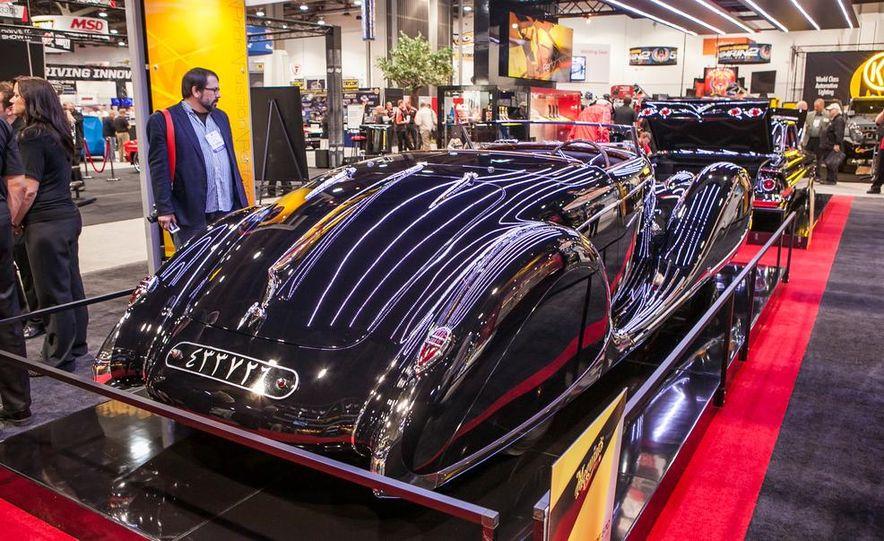1939 Bugatti Type 57C - Slide 3