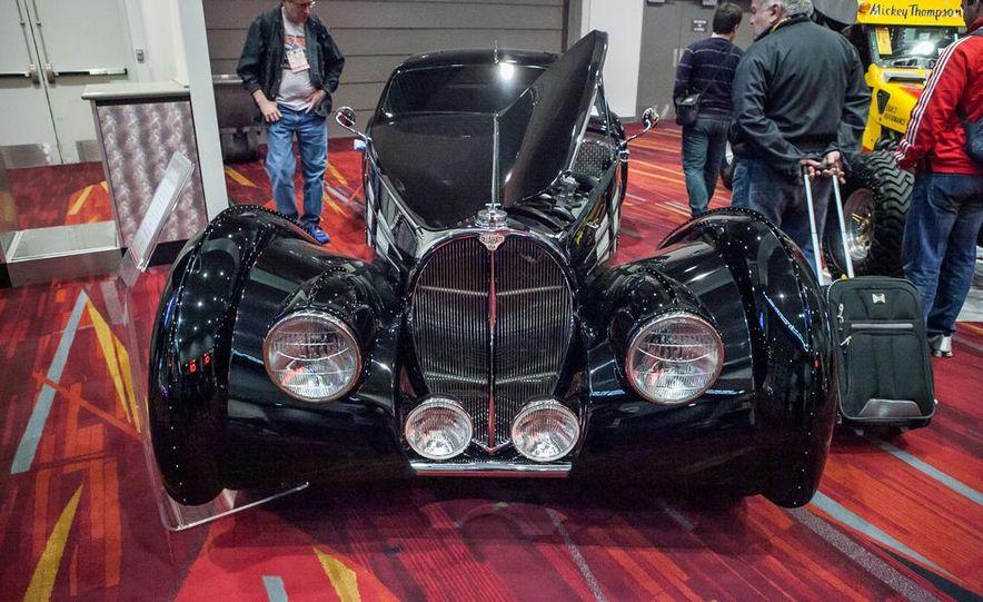 1939 Bugatti Type 57C - Slide 22