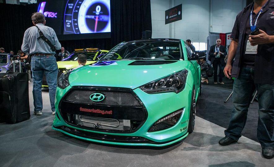 Fox Marketing Hyundai Veloster Turbo - Slide 1