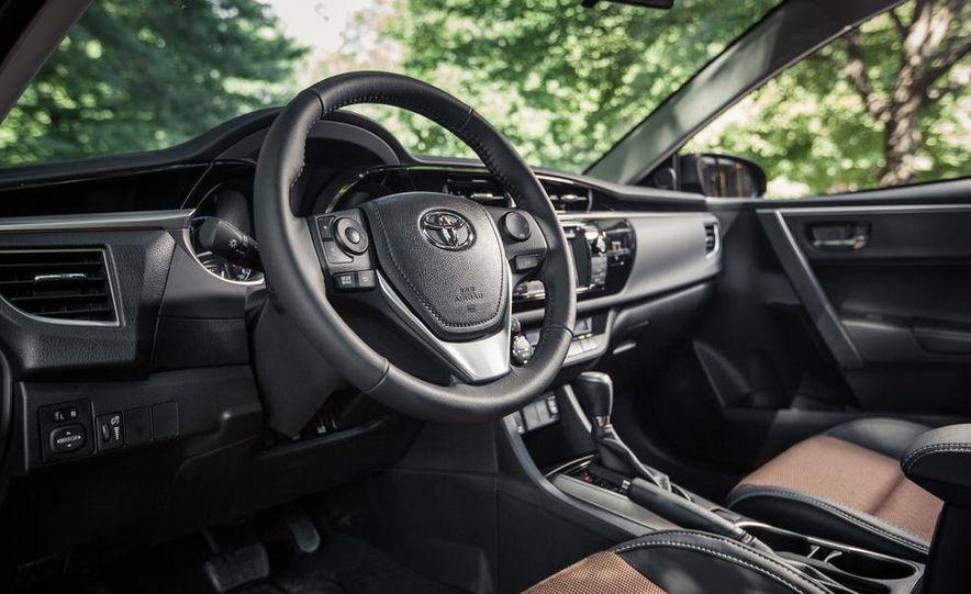 2014 Toyota Corolla S - Slide 11