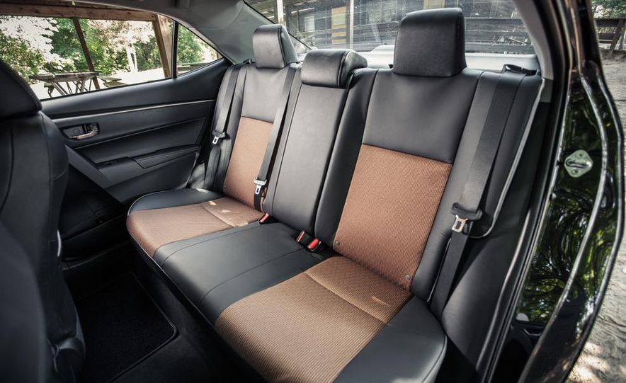2014 Toyota Corolla S - Slide 16