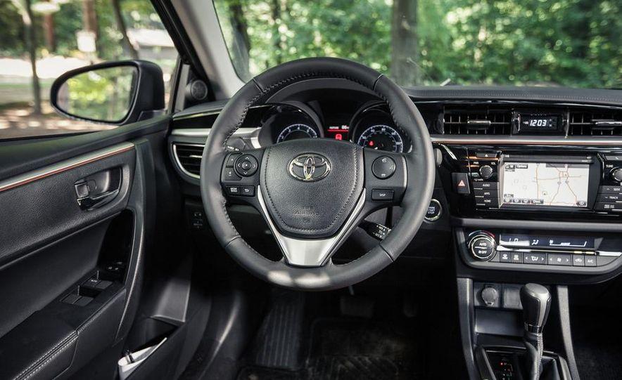 2014 Toyota Corolla S - Slide 17