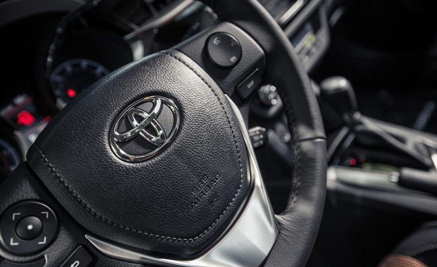 2014 Toyota Corolla S - Slide 20