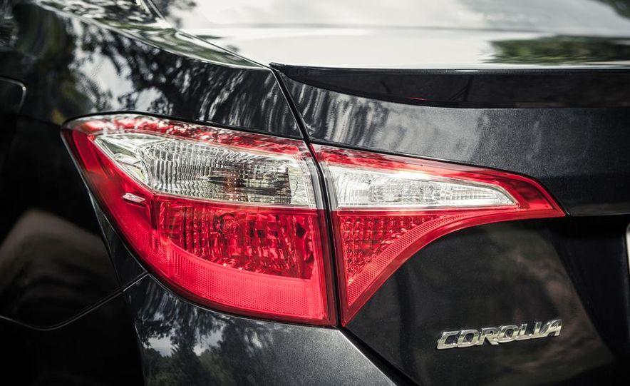 2014 Toyota Corolla S - Slide 6