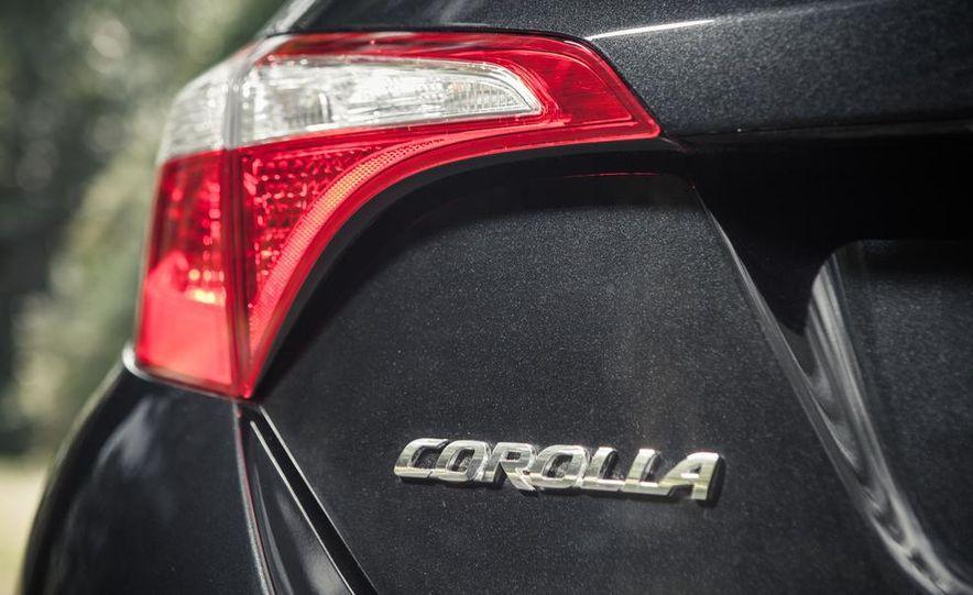 2014 Toyota Corolla S - Slide 7