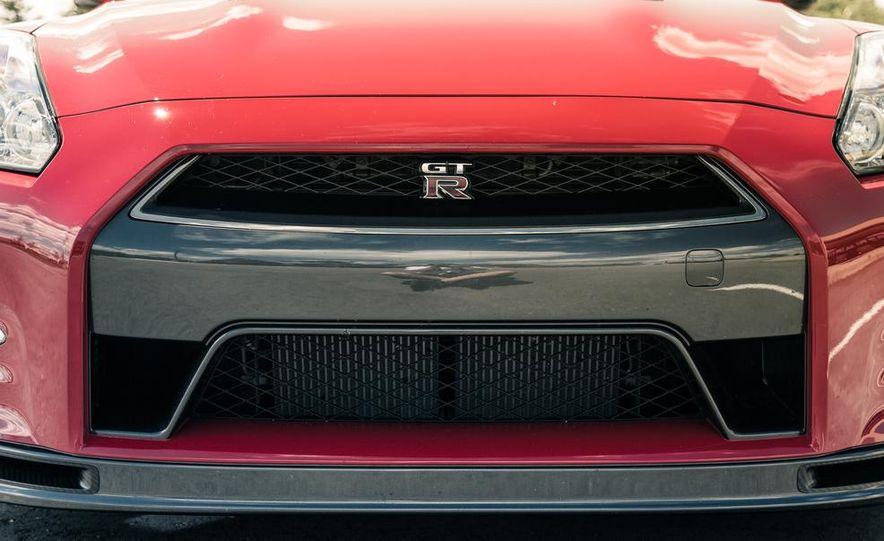 2014 Nissan GT-R Track Edition - Slide 12