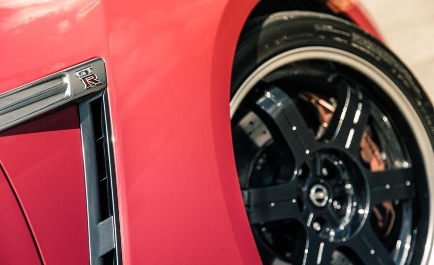 2014 Nissan GT-R Track Edition - Slide 18