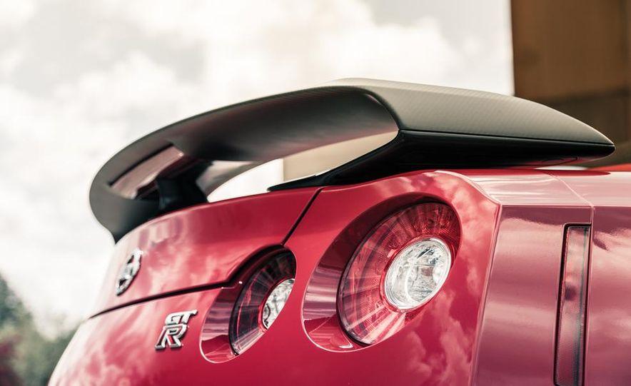 2014 Nissan GT-R Track Edition - Slide 21