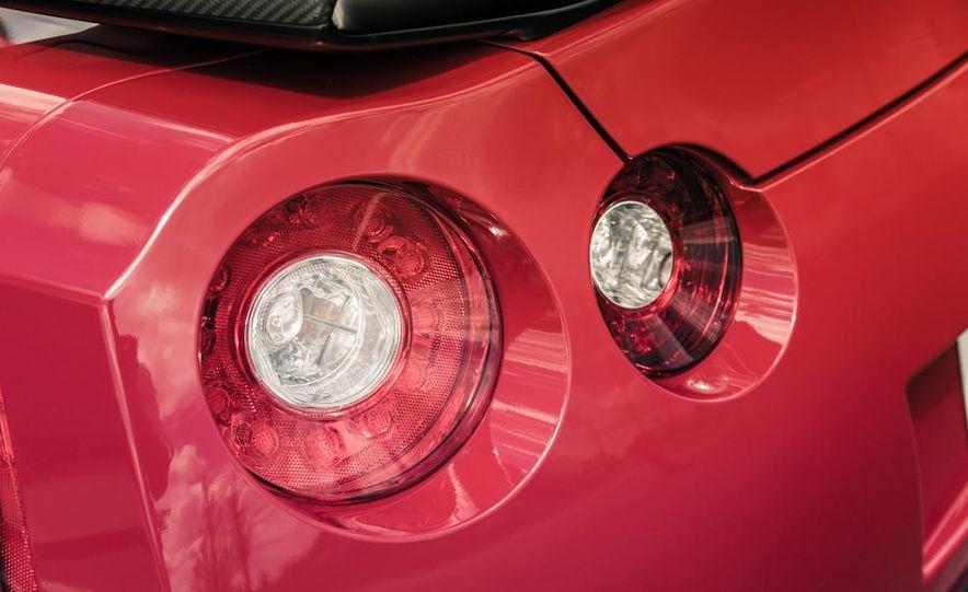 2014 Nissan GT-R Track Edition - Slide 23