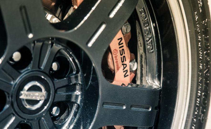 2014 Nissan GT-R Track Edition - Slide 19