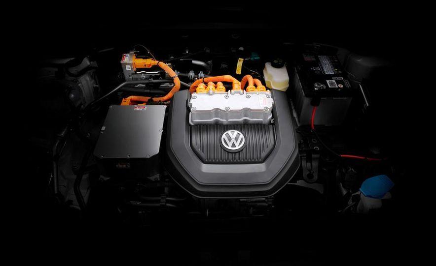 2015 Volkswagen e-Golf - Slide 17